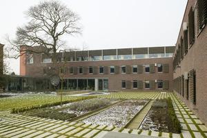 ›› 2 Building of the Flemish environmental organization Vlaamse Milieumaatschappij (VMM)