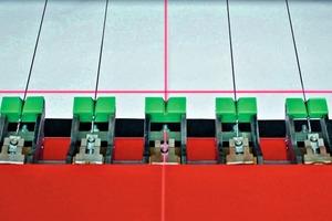 "<span class=""bildunterschrift_hervorgehoben"">»2</span> Adjusted wire guidings<br />"