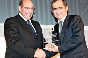 "<span class=""bildunterschrift_hervorgehoben"">»</span> Odysseas Kyriakopoulos, Chairman of S&amp;B Industrial Minerals and Chairman of the Panel of Judges for the Entrepreneur of the Year Greece 2011 Competition, presents the Entrepreneur of the Year 2011 award to Dimitris Koiliaris<br />"