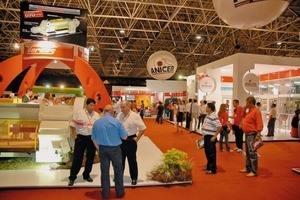 &gt;&gt; 1 View into the exhibition hall during the 37th meeting<br />