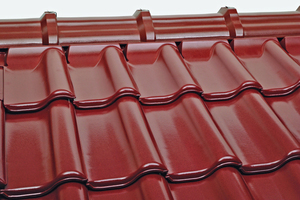 "<div class=""bildtext_en""><span class=""bildnummer"">»</span> The matching-material ridge-tile solution for Rubin 15V roof tiles enables an optically harmonious transition between the tiled roof and its ridgeline</div>"