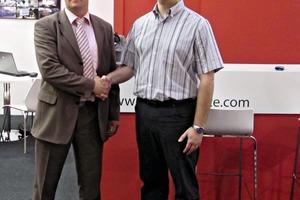 """<span class=""""bildunterschrift_hervorgehoben"""">»</span> Uwe Pietz, Geschäftsführer von HUP-Pietz (links) und Marcos Morte, Geschäftsführer Morte, besiegeln die Zusammenarbeit<br />"""