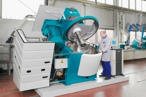 >> 1 The new mixer of company Eirich with mixing speeds from 2 to > 30 m/s