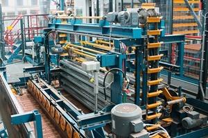 "<span class=""bildunterschrift_hervorgehoben"">»8</span> The Measham factory's pallet handling system<br />"