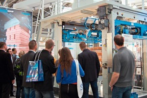"<span class=""bildunterschrift_hervorgehoben"">» </span>The Beumer stretch hood M high-performance packaging machine offers many advantages compared with similar systems<br />"