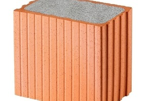 &gt;&gt;1 The Poroton-WDF thermal insulation facade is a sturdy brick wall that is filled with perlite, a natural thermal insulation material<br />