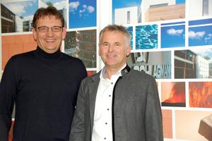 """<div class=""""bildtext_en""""><span class=""""bildnummer"""">»1</span> Schlagmann site manager in Zeilarn Heinz Girgner (left) and Johannes Edmüller at the new research centre in Zeilarn</div>"""